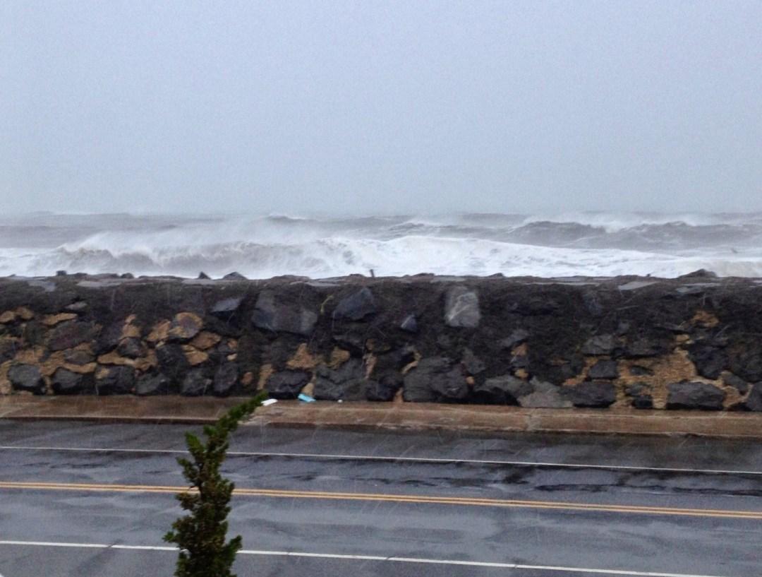 hurricane sandy waves