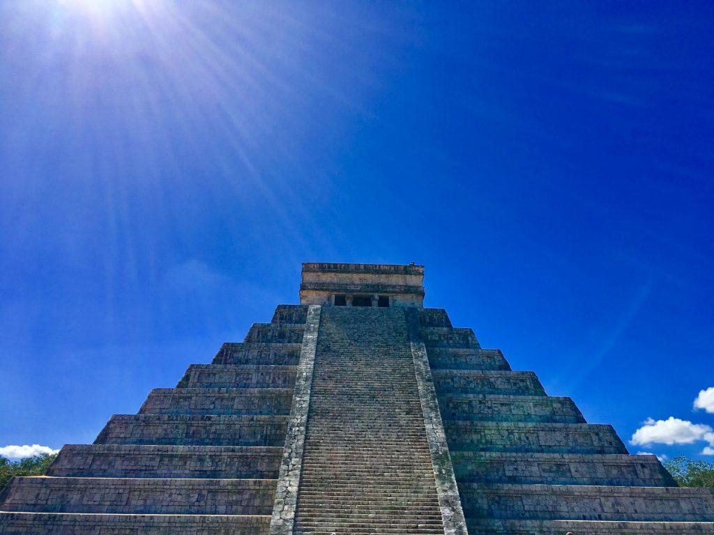 chichen itza pyramid el castillo kukulkan