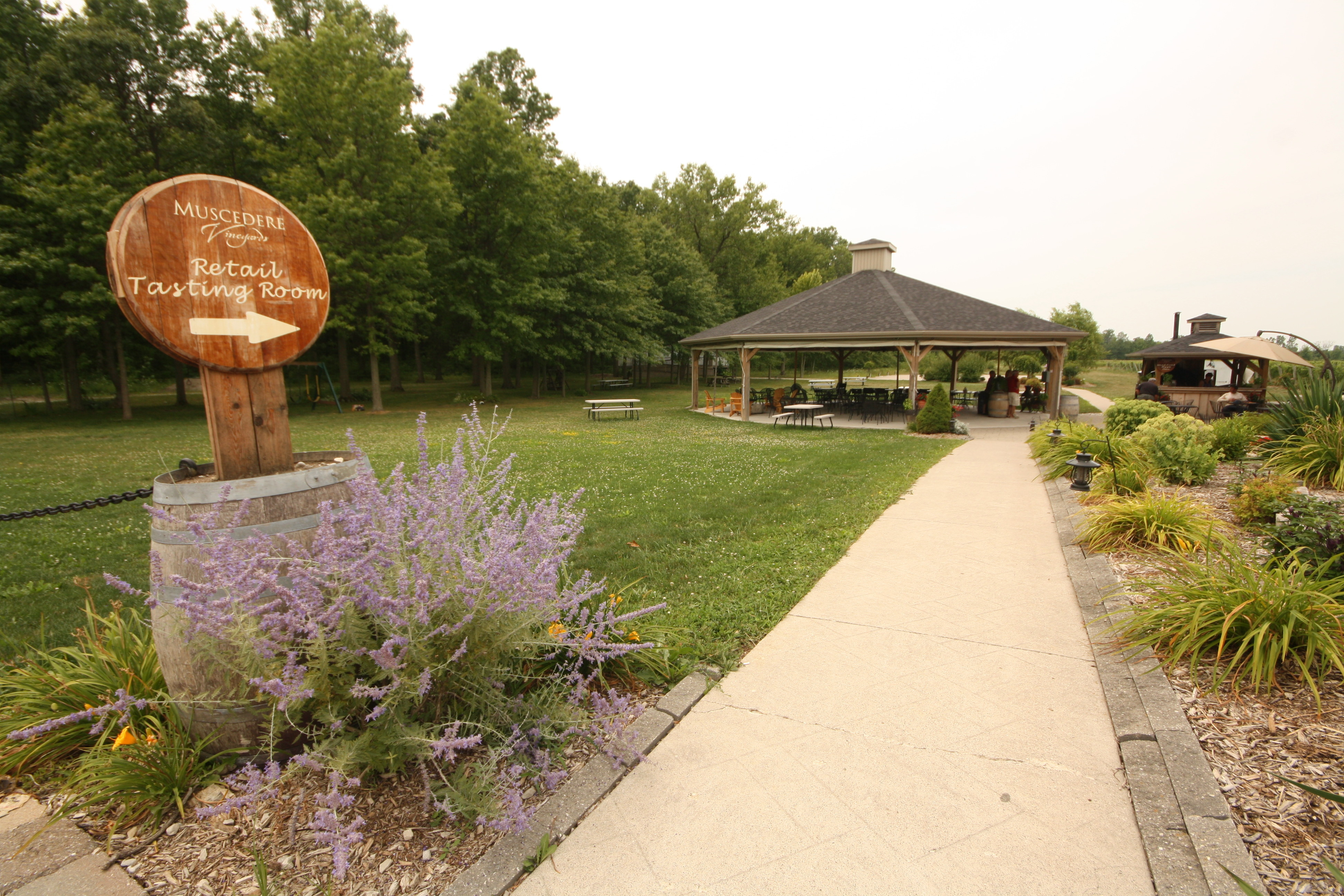 The folks at Muscedere VIneyards in southwest Ontario make lovely Bordeaux blends. And good pizza! - JIM BYERS PHOTO