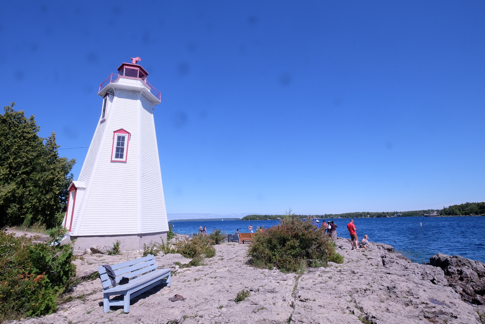 The Big Tub Lighthouse area is a popular swimming and diving spot in Tobermory. JIM BYERS PHOTO