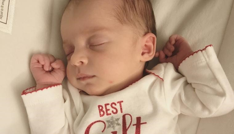 Tennessee baby breaks record after being born from 27-year-old embryo