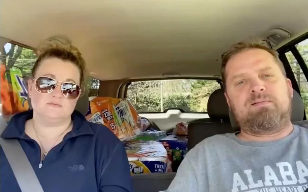 Anti-Vax YouTube Couple, Who Called Jab 'Affront To Human Rights,' Both DIE Of Covid