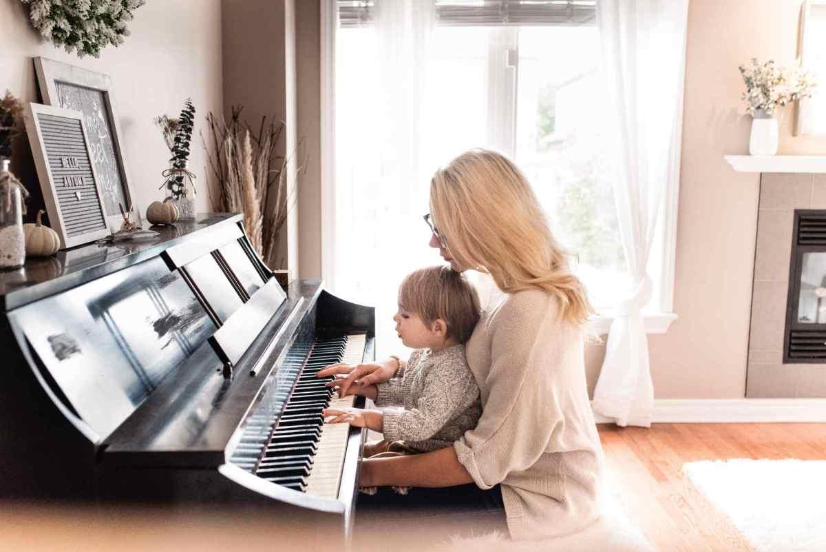 Les enfants et adolescents musiciens réussissent mieux à l'école