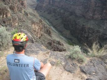 Jim-Schmid-overlooking-canyon-on-West-Rim-Trail-Taos-NM-2010