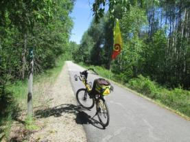 Jim-Schmid's-Bacchetta-Giro-recumbent-at-Milepost-39-Trail-of-the-Coeur-d'Alenes-ID-5-13-2016