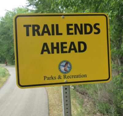 Trail-Ends-Ahead-sign-on-Boise-River-Greenbelt-ID-5-7-2016