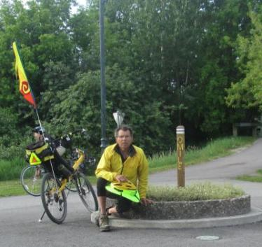Jim-Schmid-with-Bacchetta-Giro-recumbent-start-of-Bitterroot-Trail-Missoula-MT-5-19-2016