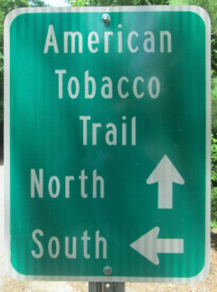 North_South_direction_sign_American_Tobacco_RT_2015_07_05-6