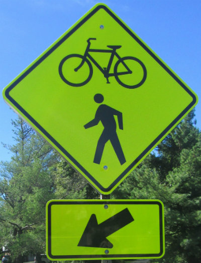 Bicycle-pedestrian-crossing-sign-W&OD-Rail-Trail-VA-2015-10-6&7