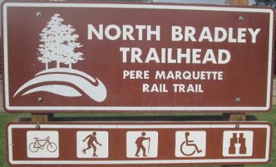 North-Bradley-trailhead-sign-Pere-Marquette-MI-2015-09-06