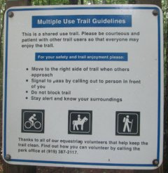 Multi_use_trail_guidelines_sign_American_Tobacco_RT_2015_07_05-6