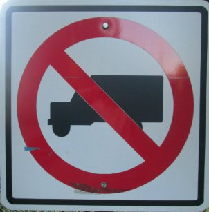 No-truck-symbol-sign-W&OD-Rail-Trail-VA-2015-10-6&7