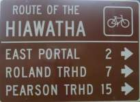 Direction-sign-Route-of-the-Hiawatha-ID-5-26-2016