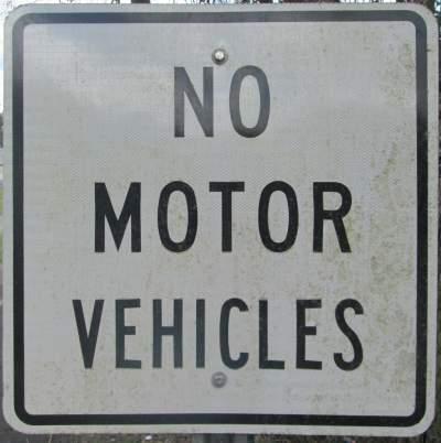 No-motor-vehicles-sign-Tallahassee-St-Marks-Rail-Trail-FL-2016-01-22-pix