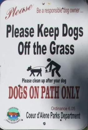Keep-dogs-off-grass-sign-Centennial-Trail-Coeur-d'Alene-ID-4-28-2016