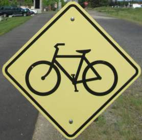 Bike-symbol-sign-Centennial-Trail-Coeur-d'Alene-ID-4-28-2016