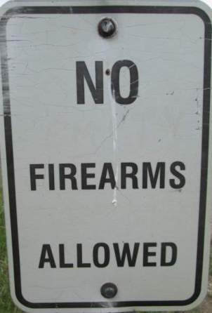 No-firearms-sign-Mickelson-Trail-SD-5-28-to-6-1-2016
