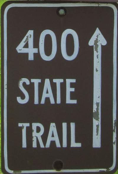 400-Trail-sign-Elroy-Sparta-Trail-WI-5-8&9-17