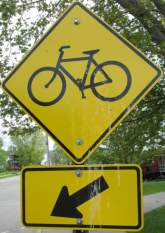 Bike-crossing-sign-Elroy-Sparta-Trail-WI-5-8&9-17