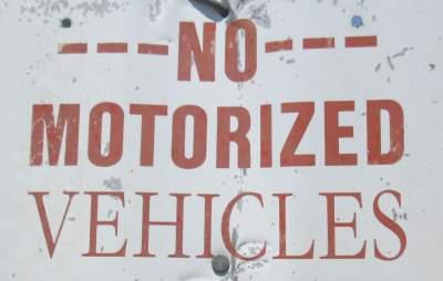 No-motorized-vehicles-sign-Wabash-Trail-IA-5-18-17