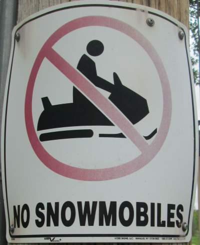 Snowmobile-sign-Wabash-Trail-IA-5-18-17