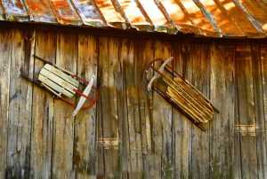 041-vermont-two-sleds-on-a-barn