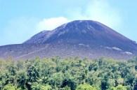 gunung legendaris krakatau