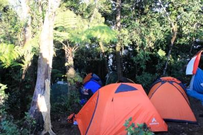 camp 10 menit sebelum puncak