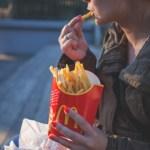マクドナルドをクーポンなどで安く食べられる!利用方法が手軽すぎ