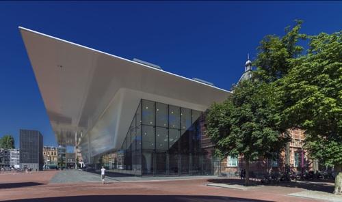 2. Stedelijk Museum facade as seen from the Van Gogh Museum. Photo John Lewis Marshall._original_sm