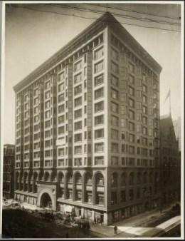 아들러 설리번 건축사무소가 설계해 1894년 완공한 시카고 주식거래소 빌딩. Courtesy: The Art Insitute of Chicago.