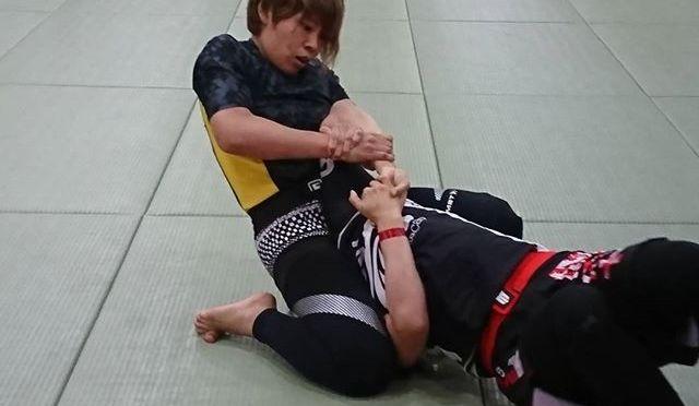 奈部ゆかり選手、チョークで一本勝ち!