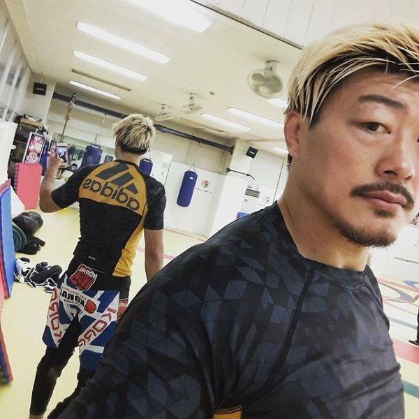 JIN FIGHT adidas MMA & BJJのスポンサードアスリート 水野竜也選手 with adidasラッシュガード Transition Model