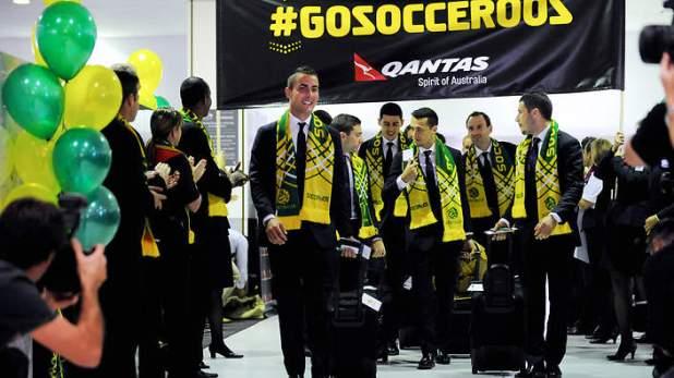 ทีม Socceroos ขณะออกเดินทางจากออสเตรเลีย