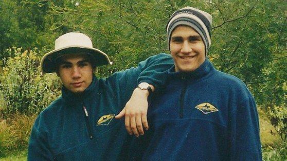 ภาพสุดท้ายของ Nathan China ก่อนเสียชีวิต ถ่ายรูปกับ Matthew น้องชายขณะไปแคมปิ้งปี 1999