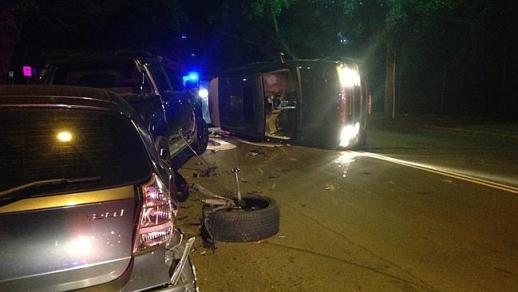 อุบัติเหตุรถของนาง Jodhi Meares ชนแหลกก่อนพลิกคว่ำในย่าน Bellevue