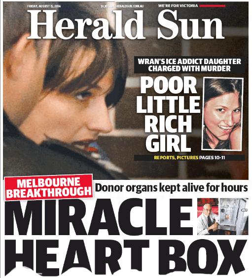 """นสพ. the Herald Sun ฉบับ 15 ส.ค. 2014 พาดหัวข่าว """"เศรษฐีสาวน้อยผู้น่าสงสาร - ลูกสาวขี้ยาของนาย Wran ถูกตั้งข้อหาฆ่าคนตาย"""""""