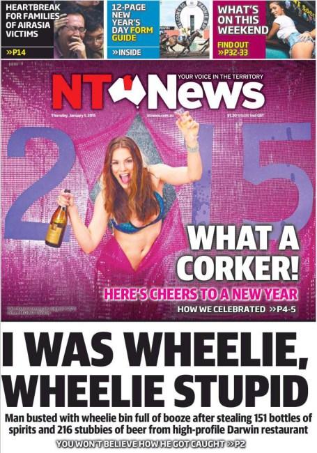 """นสพ. NT News ฉบับ 1 ม.ค. 2015 ด้านล่างเสนอข่าว เล่นคำพ้องเสียง really กับ wheelie  """"ผมมันช่างงี่เง่าเสียจริง ๆ"""""""