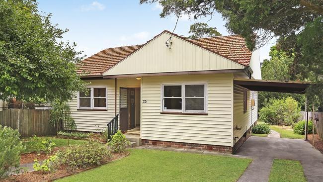 บ้านแบบไฟโบร-ค็อตเต็จที่ย่าน Narraweena ประมูลขายในราคา 1.105 ล้านเหรียญ