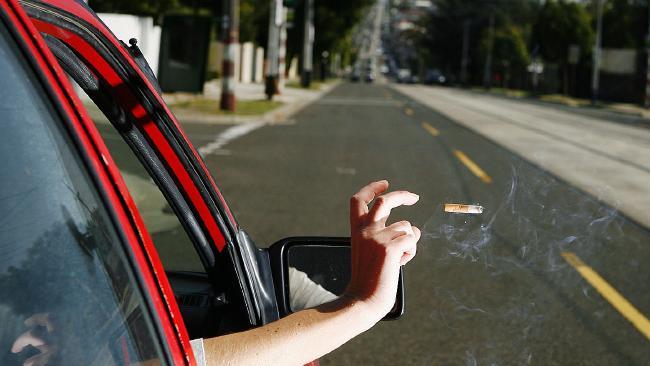 2015-11-15 สูบบุหรี่ในรถ 4