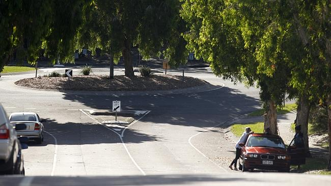 จุดบริเวณใกล้สวนสาธารณะมุมถนน Lipton St. และถนน Ben Lexcen Dve. ที่เกิดเหตุ
