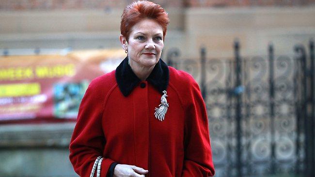 นาง Pauline Hanson ได้รับเงินช่วยเหลือเลือกตั้งกว่า 1.6 ล้านเหรียญ ทั้งที่ใช้เงินสู้ศึกเลือกตั้งไม่กี่หมื่นเหรียญ : ภาพจากนสพ. the Telegraph
