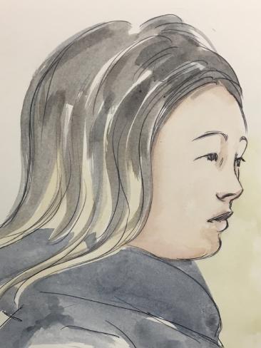 ภาพสเก็ตของนาง Tiffany Yiting Wan ผู้ต้องหาในขณะปรากฎตัวที่ศาล : ภาพชั่วคราวจากนสพ. Perth Now