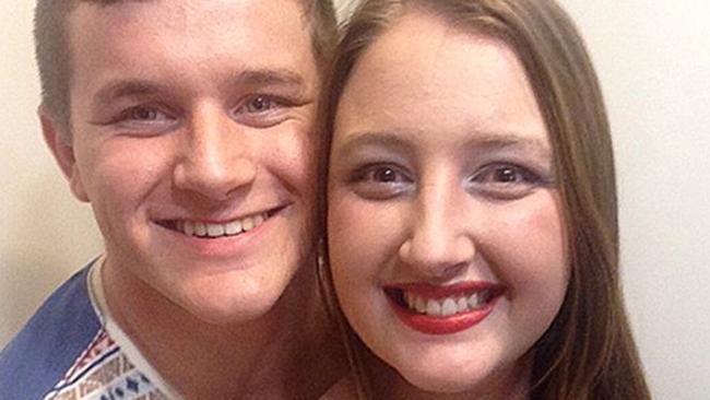 นาย  Nicholas Buttle และน.ส. Hanne-Marie Marais  แฟนสาว : ภาพจากสำนักข่าว News Corp
