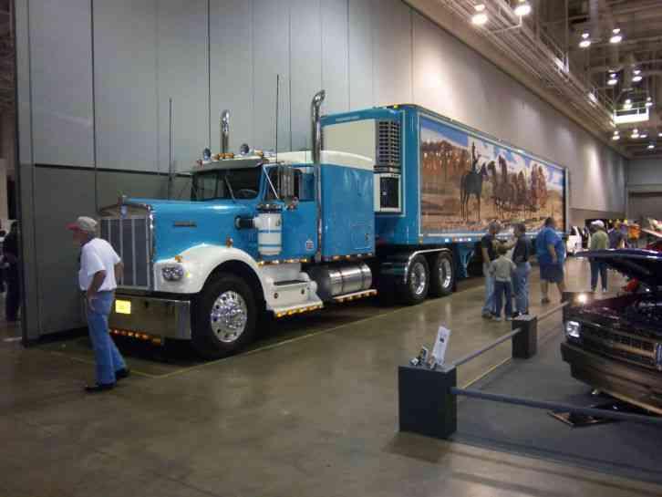Kenworth W900A 1977  Sleeper Semi Trucks