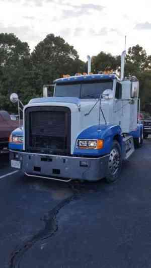 Freightliner (1995) : Sleeper Semi Trucks