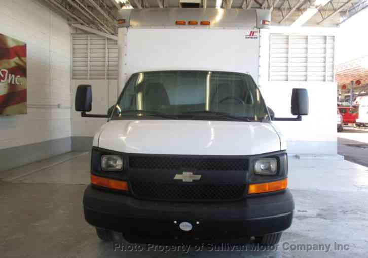 Chevrolet Express Commercial Cutaway Box Truck RWD 4500