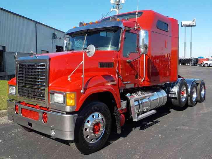 Mack Pinnacle Chu613 Sleeper Semi Trucks