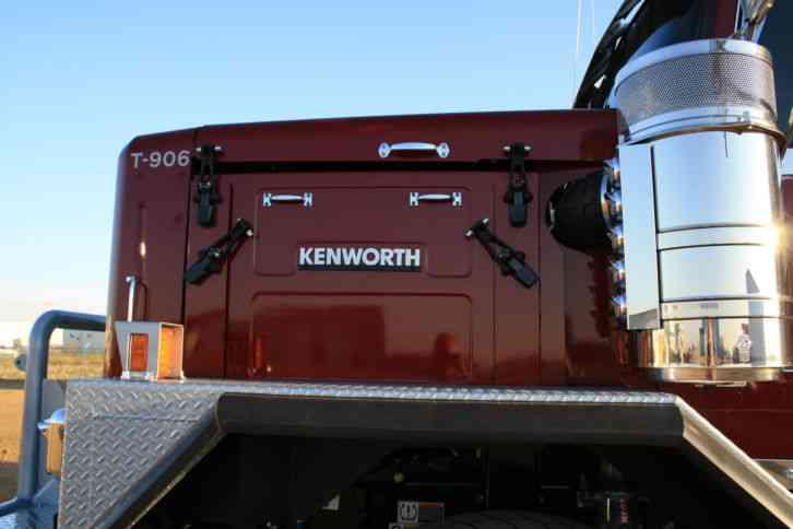 Kenworth C500 2014  Sleeper Semi Trucks