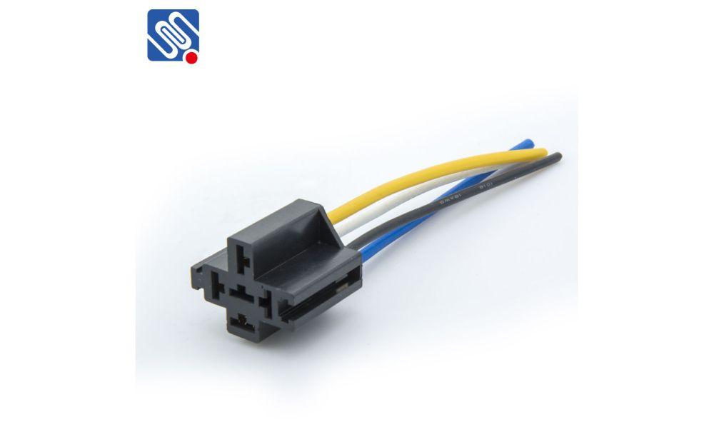 medium resolution of relay socket and harness